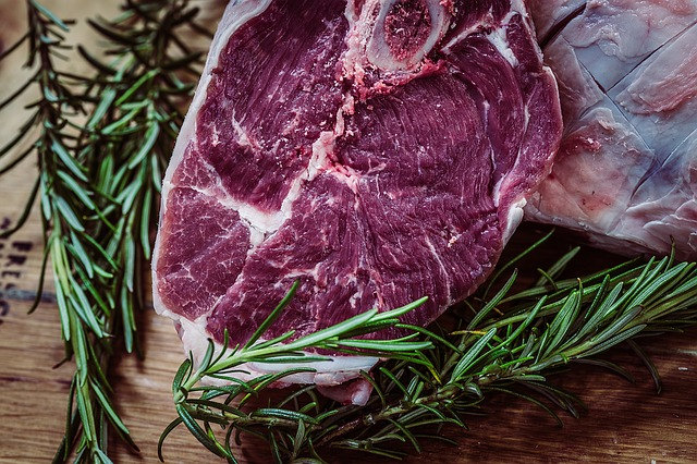 Consumo eccessivo di carne rossa e salute: nuovi dati suBMJ